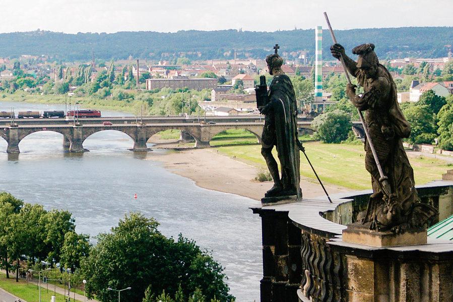 Dresden: Blick von Katholischer Hofkirche zur Marienbrücke