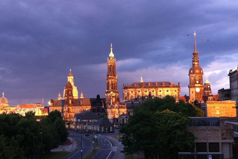 Abendlicher Blick zur Dresdner Altstadt