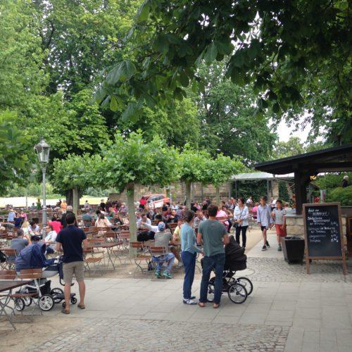 Biergenuss im Schillergarten am Blauen Wunder